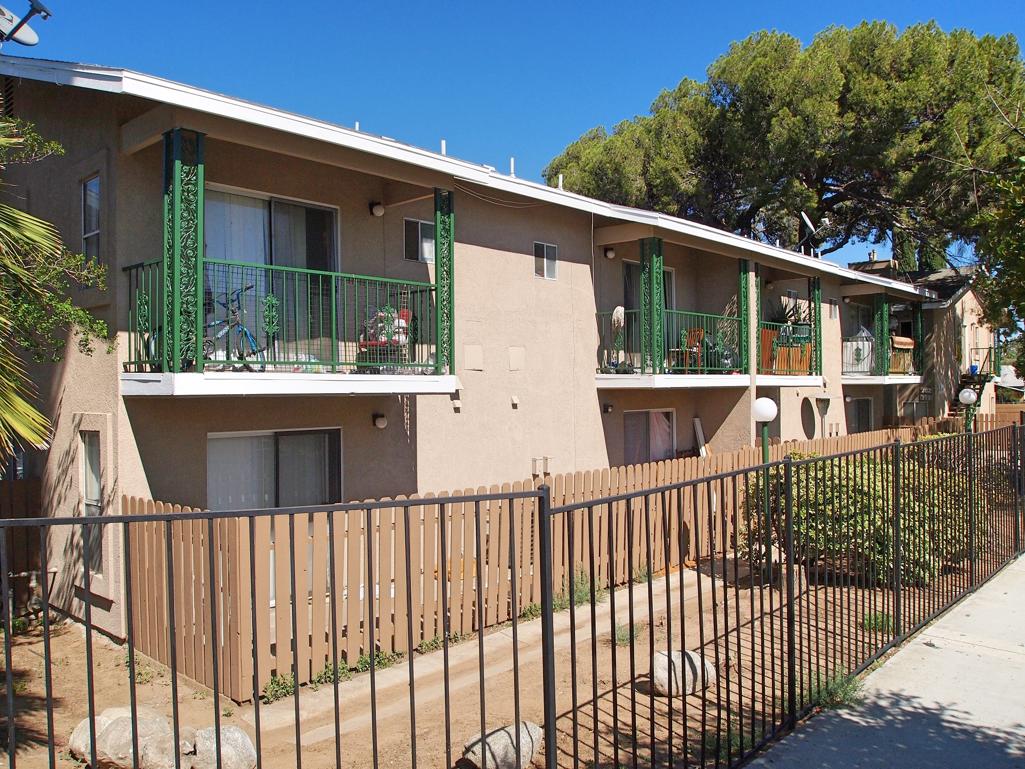 14 Unit Investment Property Multifamily