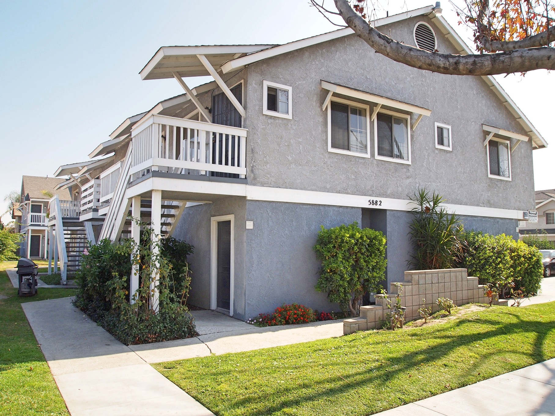 9 Income Producing Units, MultiFamily Investment
